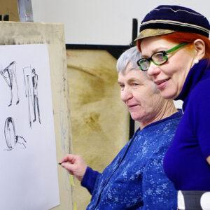 Tekstiilikunstnik Anu Raud ja rektor Signe Kivi