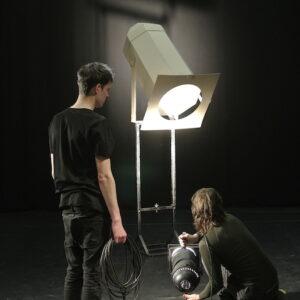 """Henri Hüti ja Mihkel Ilusa lavastatud näitus """"Kapriisid: Eelvõim"""" avatakse Disaini ja Arhitektuuri Galeriis,  21. novembril"""