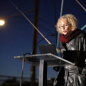 5_Author-Yael-Reisner_moderating-the-symposium_photo-by-Beth-Dubber_SciArcPanelDisc029