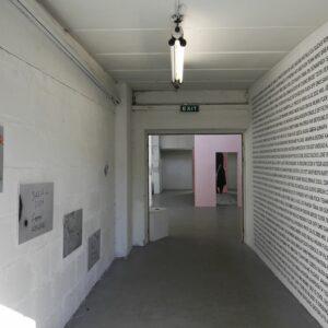 Lee Kelomees. EXIT. Dokumentatsioonifoto näituselt 15cm–3,6m ARSi projektiruumis 2017. Foto Lee Kelomees