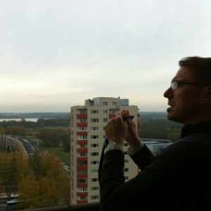 Vladimir-Kulić-on-the-16th-floor-of-an-apartment-building-in-Tallinn-1024x765