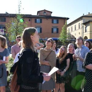 Ettekanne San Marco kiriku ees Firenzes