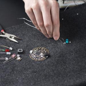 Tekstiilidisain_EKA_2019_nutilahendus